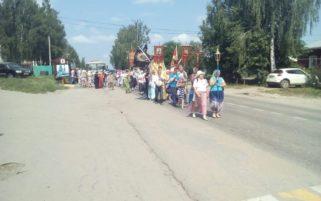 Крестный ход в память о святых Царственных страстотерпцев в г. Сергаче